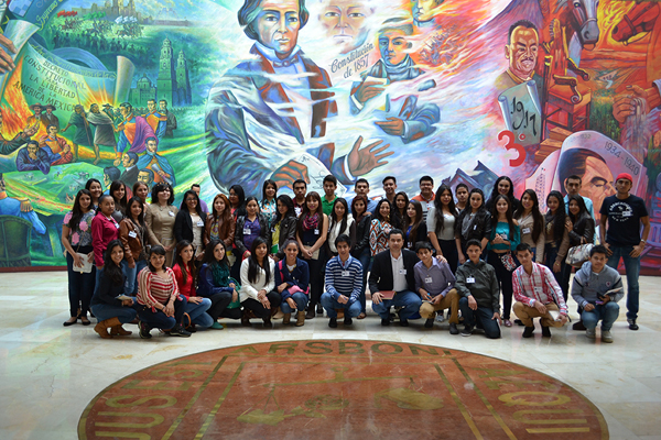 Alumnos de la Universidad Don Vasco visitan Palacio de Justicia José María Morelos