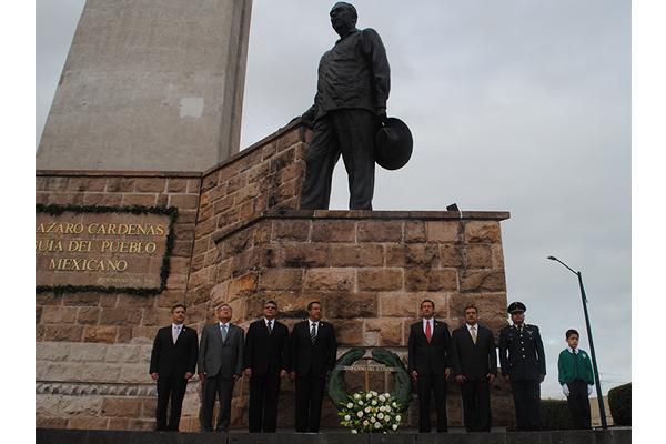 Autoridades estatales recuerdan a Lázaro Cárdenas del Río