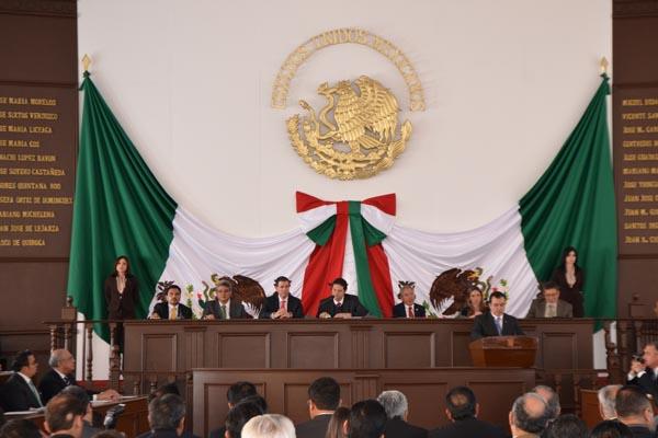 Poder Judicial de Michoacán presente en sesión solemne del Congreso del Estado en Tlalpujahua