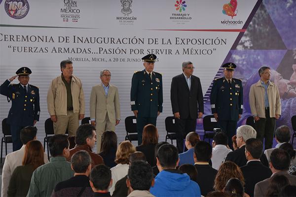 """Autoridades estatales inauguran exposición """"Fuerzas armadas…pasión por servir a México"""""""