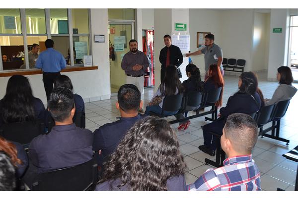 Alumnos de la UNID visitan el Palacio de Justicia José María Morelos