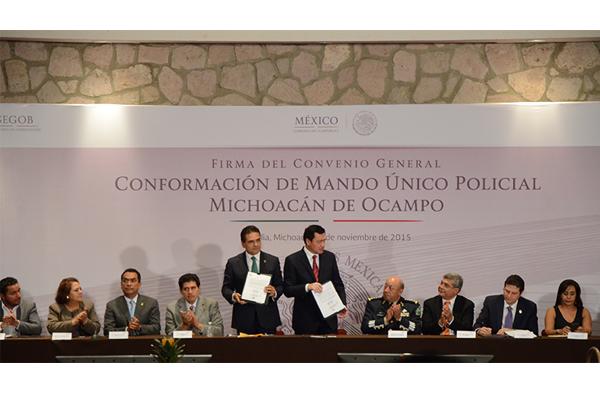 Autoridades de los tres órdenes de gobierno firman Mando Único Policial para Michoacán