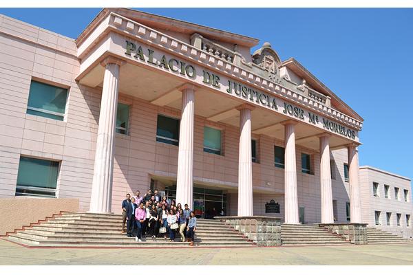 Poder Judicial de Michoacán recibe a universitarios