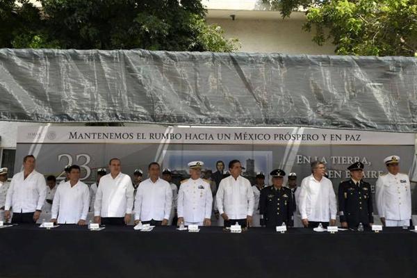 Autoridades estatales conmemoran Día de la Armada de México