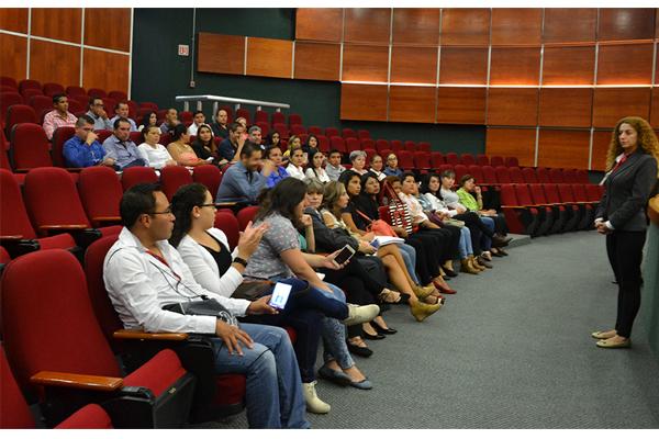 Estudiantes de Derecho visitan el Palacio de Justicia José María Morelos