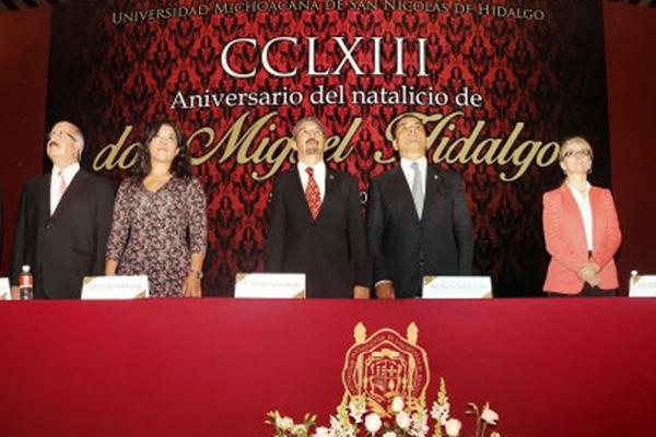 Autoridades estatales conmemoran el 263 aniversario del natalicio de Miguel Hidalgo