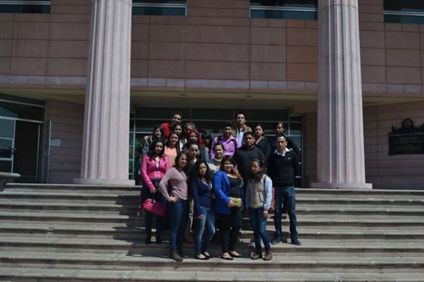 Alumnos de Derecho visitan el Palacio de Justicia José María Morelos