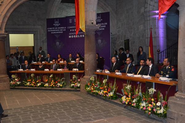 Entregan autoridades locales presea Generalísimo Morelos