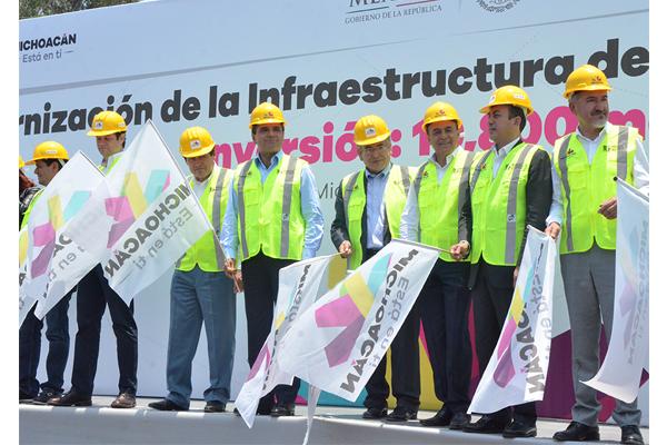 Autoridades de los tres niveles de gobierno concretan acciones para mejorar la vialidad de Morelia