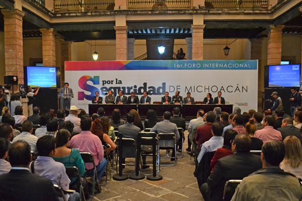 Inauguran autoridades el Primer Foro Internacional por la Seguridad de Michoacán