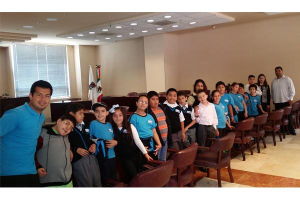 Alumnos de escuela primaria conocen el Poder Judicial de Michoacán