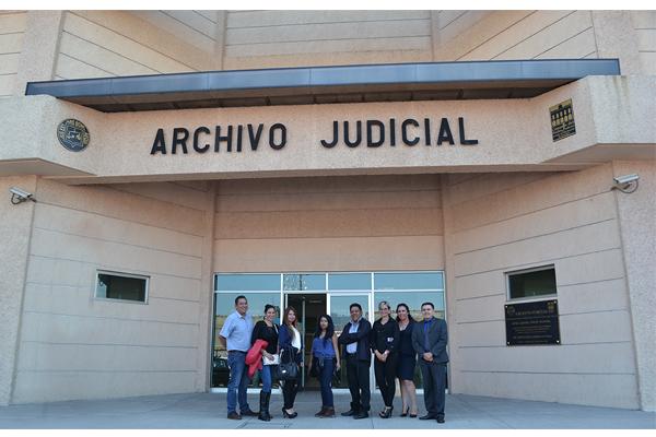 Alumnos de la Universidad Don Vasco visitan el Palacio de Justicia José María Morelos