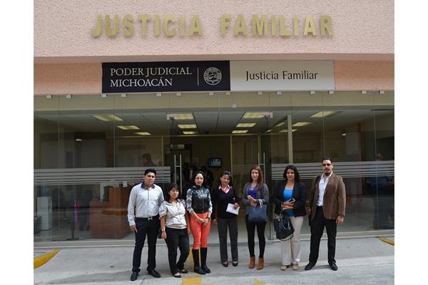 Estudiantes de la Universidad Montrer visitan el Palacio de Justicia José María Morelos