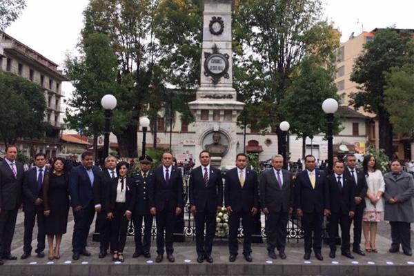 Autoridades de los tres niveles de gobierno conmemoran a los Mártires de Uruapan