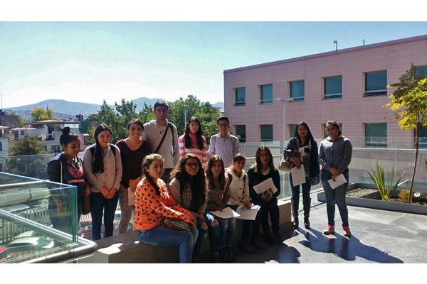 Alumnos de bachillerato recorren instalaciones del Palacio de Justicia José María Morelos