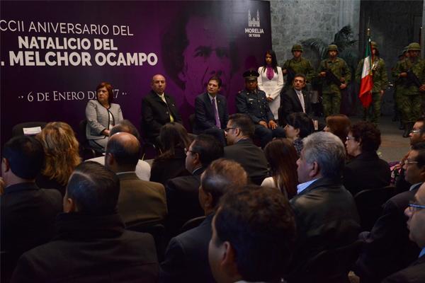 Autoridades locales conmemoran el CCII aniversario del natalicio de Melchor Ocampo