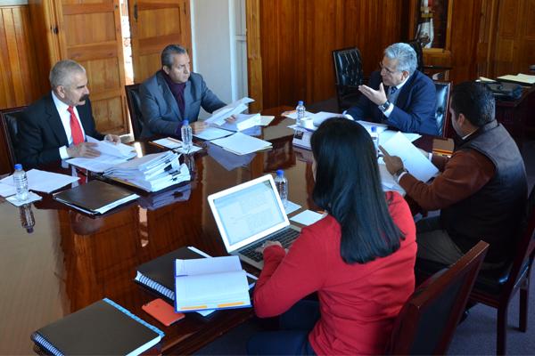 Analizan temas referentes a la optimización del uso de los recursos públicos de la institución en sesión de la Comisión de Administración
