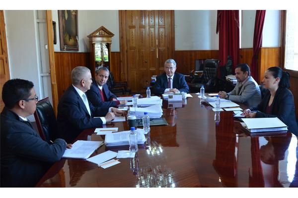 Consejeros de la Comisión de Administración realización sesión ordinaria
