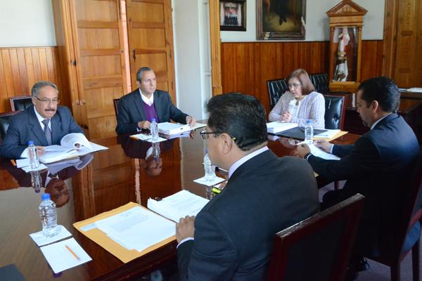 Máximo órgano colegiado administrativo de la institución lleva a cabo sesión ordinaria