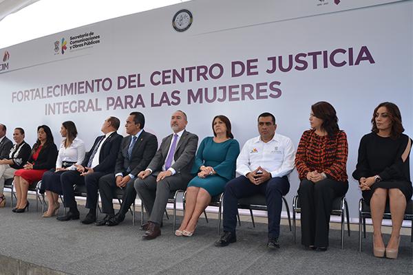 Autoridades estatales fortalecen espacio dedicado a la atención de mujeres