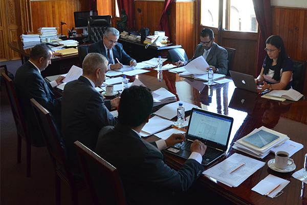 Integrantes de la Comisión de Administración realizan sesión ordinaria
