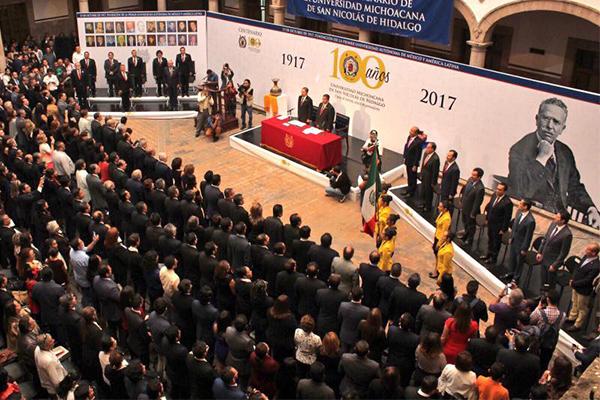 Autoridades locales conmemoran Centenario de la Universidad Michoacana