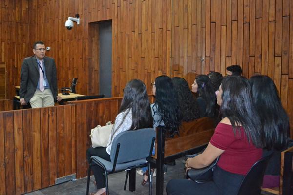Alumnado de Psicología y Derecho de la UMSNH se vincula con la labor jurisdiccional