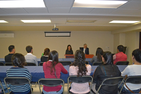 Estudiantes de la Licenciatura en Contaduría visitan el Palacio de Justicia José María Morelos