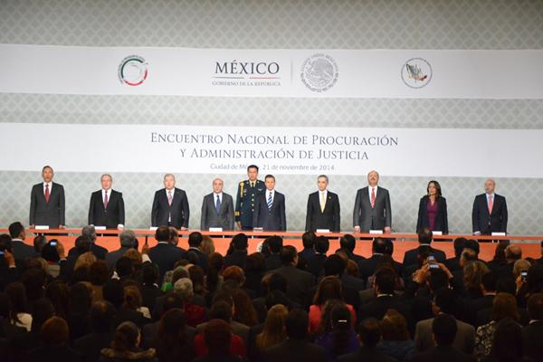 Ante procuradores y presidentes de poderes judiciales del país, Enrique Peña Nieto refrenda compromiso con un sistema de justicia más eficaz, más transparente y más confiable