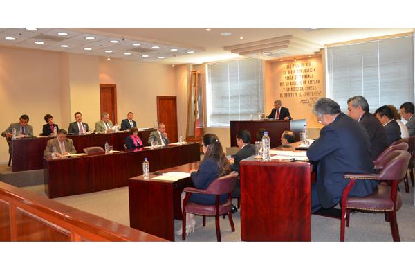Magistrados y magistradas del Supremo Tribunal de Justicia del Estado, realizaron sesión ordinaria de Pleno en la que aprobaron dos proyectos de resolución y se turnaron tres solicitudes para remitir al tribunal colegiado conflictos de competencia penal y