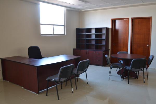 A través del área de Servicios Generales se adecuan y remodelan los espacios