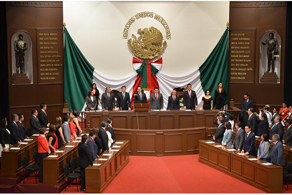 La sesión solemne de la 73 Legislatura se llevó a cabo en el Teatro Morelos