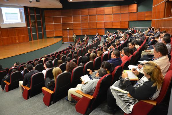 Alrededor de 200 servidores públicos participaron en el taller impartido por personal de la Secretaría de Hacienda y Crédito Público