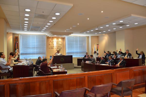 En esta sesión se aprobaron seis proyectos, los cuales pueden consultarse en la página web de la institución.