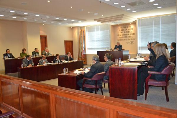 En esta sesión se aprobaron 12 proyectos y se turnaron cinco asuntos, los cuales pueden consultarse en la página web de la institución