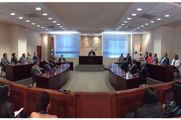 """""""Esta nueva encomienda representa retos y una responsabilidad significativa"""", expresó Flores Negrete al nuevo integrante de la magistratura local"""