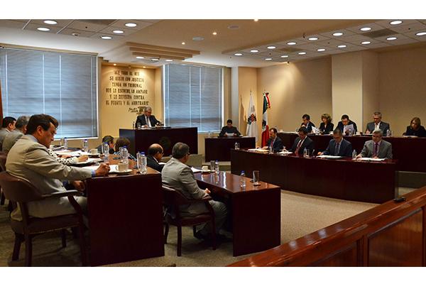 En esta sesión se aprobaron tres proyectos, los cuales pueden consultarse en la página web de la institución