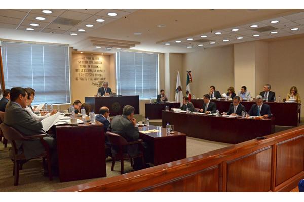Se realiza sesión ordinaria de pleno del Supremo Tribunal de Justicia del Estado