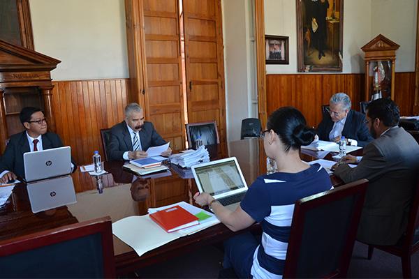 Analizan asuntos financieros de la institución, en sesión ordinaria de la Comisión de Administración