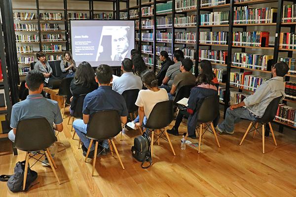 Conocen más sobre Juan Rulfo en conversatorio realizado en la Biblioteca