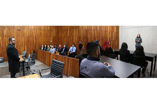 Sección 46 de la Licenciatura en Derecho de la UMSNH conoce el Poder Judicial de Michoacán