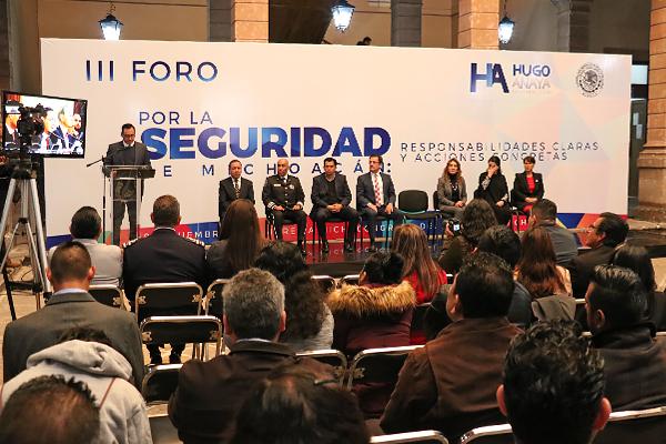 Magistrado Juan Salvador Alonso Mejía presente en la inauguración del III Foro por la Seguridad de Michoacán
