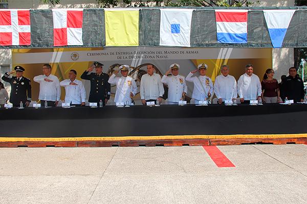 Magistrado Marco Antonio Flores Negrete presente en la Ceremonia de Entrega-Recepción del Mando de Armas de la Décima Zona Naval