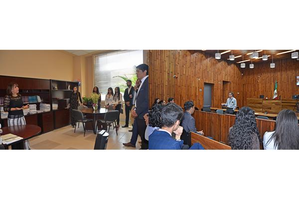 Jueces en materia civil y penal reciben a alumnado de Mercadotecnia