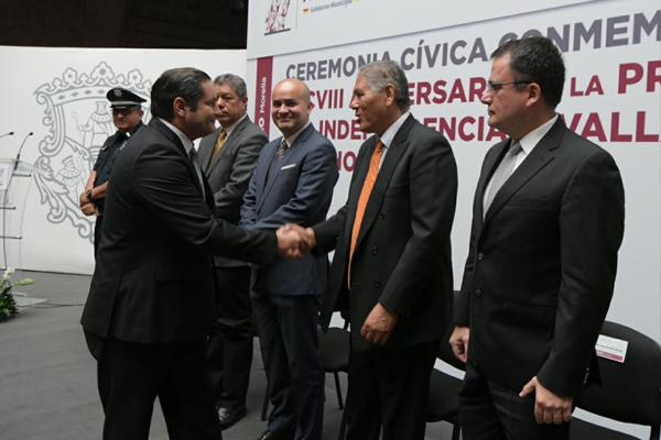 Magistrado Juan Salvador Alonso Mejía asiste a ceremonia cívica por aniversario de promulgación de la independencia de Valladolid