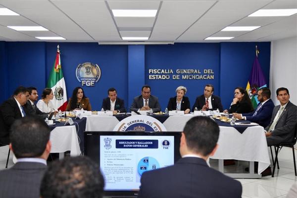 Asiste magistrada Dora Elia Herrejón Saucedo al acto de presentación del balance de los 100 días de la FGE