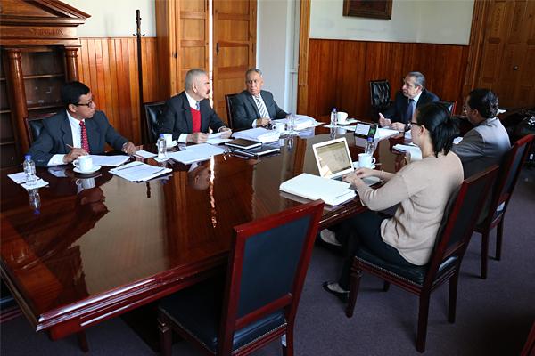 Integrantes de la Comisión de Administración del Consejo del PJM llevan a cabo sesión