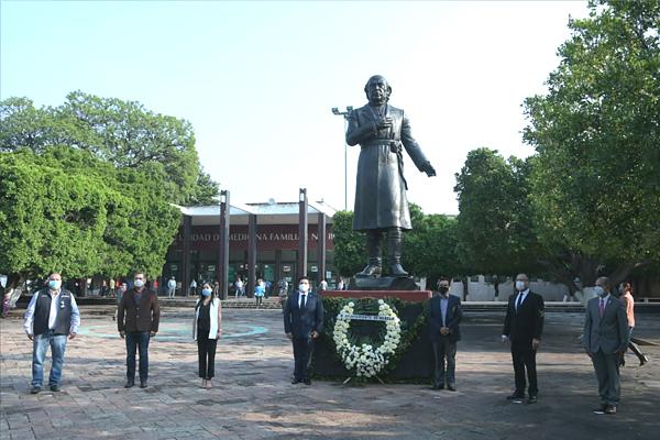 Magistrado Juan Salvador Alonso Mejía acude a conmemoración del 267 aniversario del natalicio de Miguel Hidalgo