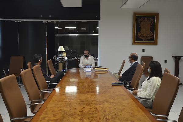 Magistrado presidente del Poder Judicial de Michoacán se reúne con abogados de la región