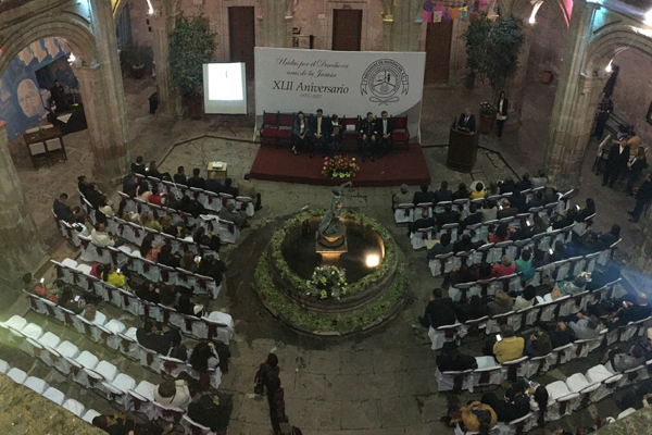 Abogadas de Michoacán, A.C. entrega reconocimiento a la institución por fomentar la perspectiva de género en la impartición de justicia